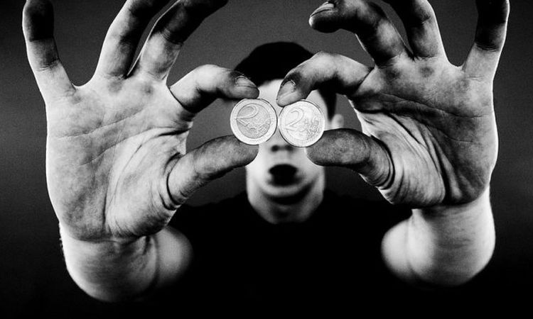 Зависимость от денег: я управляю деньгами или они мной?